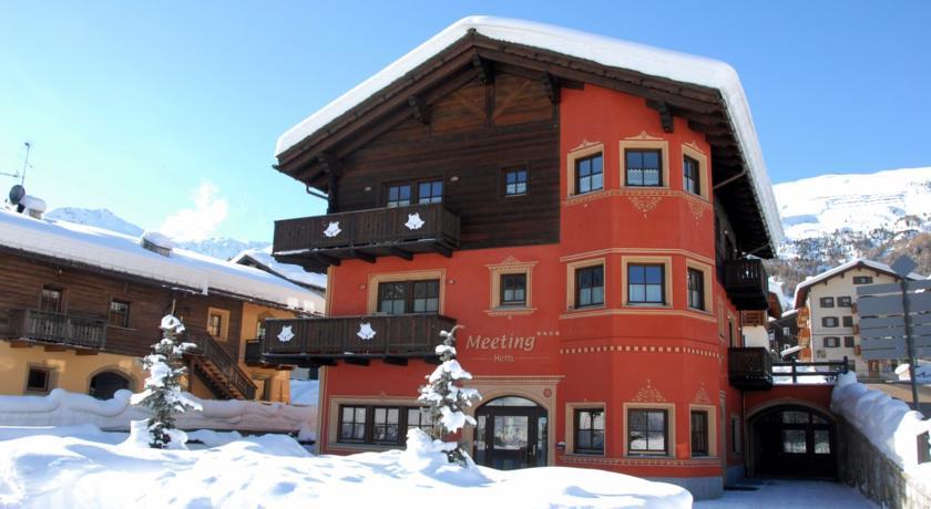 Italiaanse Alpen – Op je ski's het hotel uit in Livigno