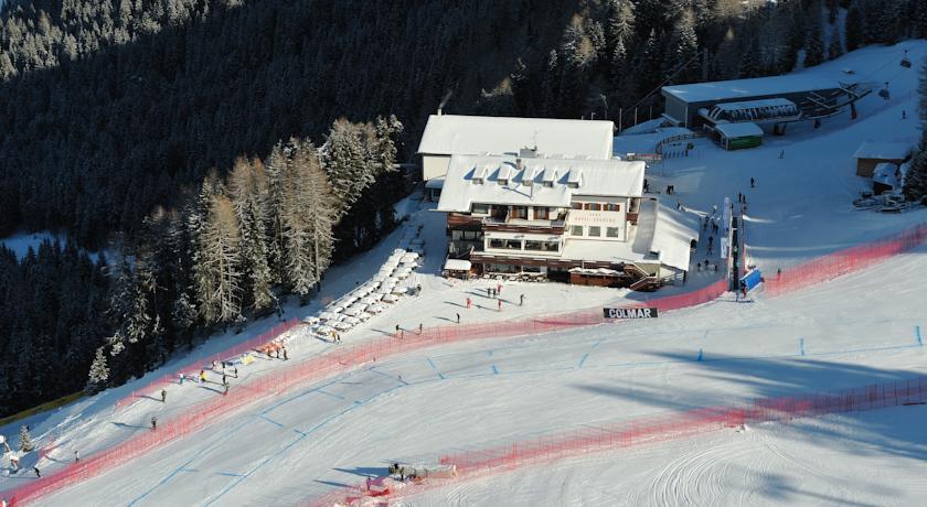 Dolomieten – Wintersport hotel op 2000 meter hoogte direct in Val Gardena